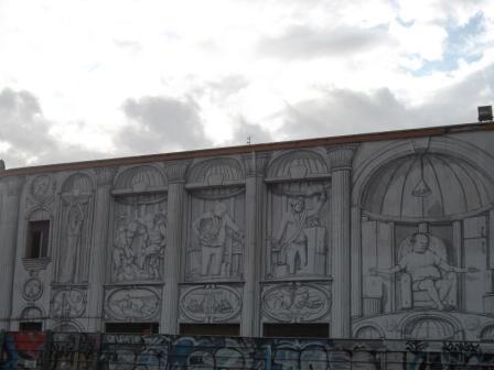cinodromo roma- particolare murales blu